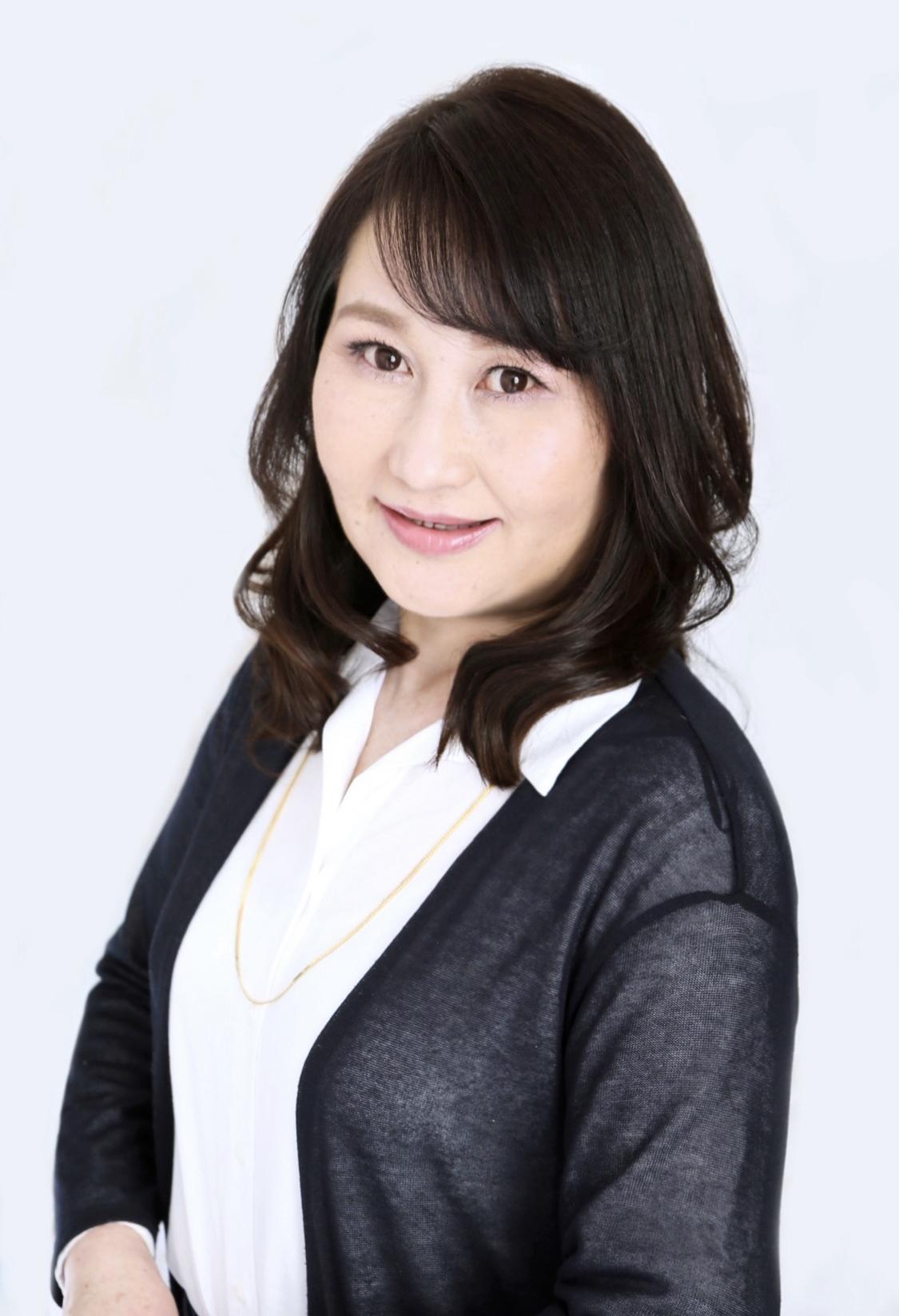 山﨑 康子